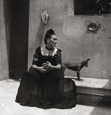 frida-kahlo-ses-photos-10-andre-frere-editions